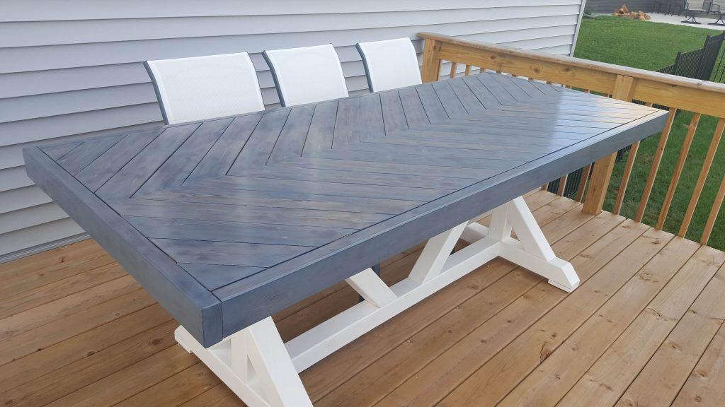 VanLaar Woodworks, outdoor chevron table