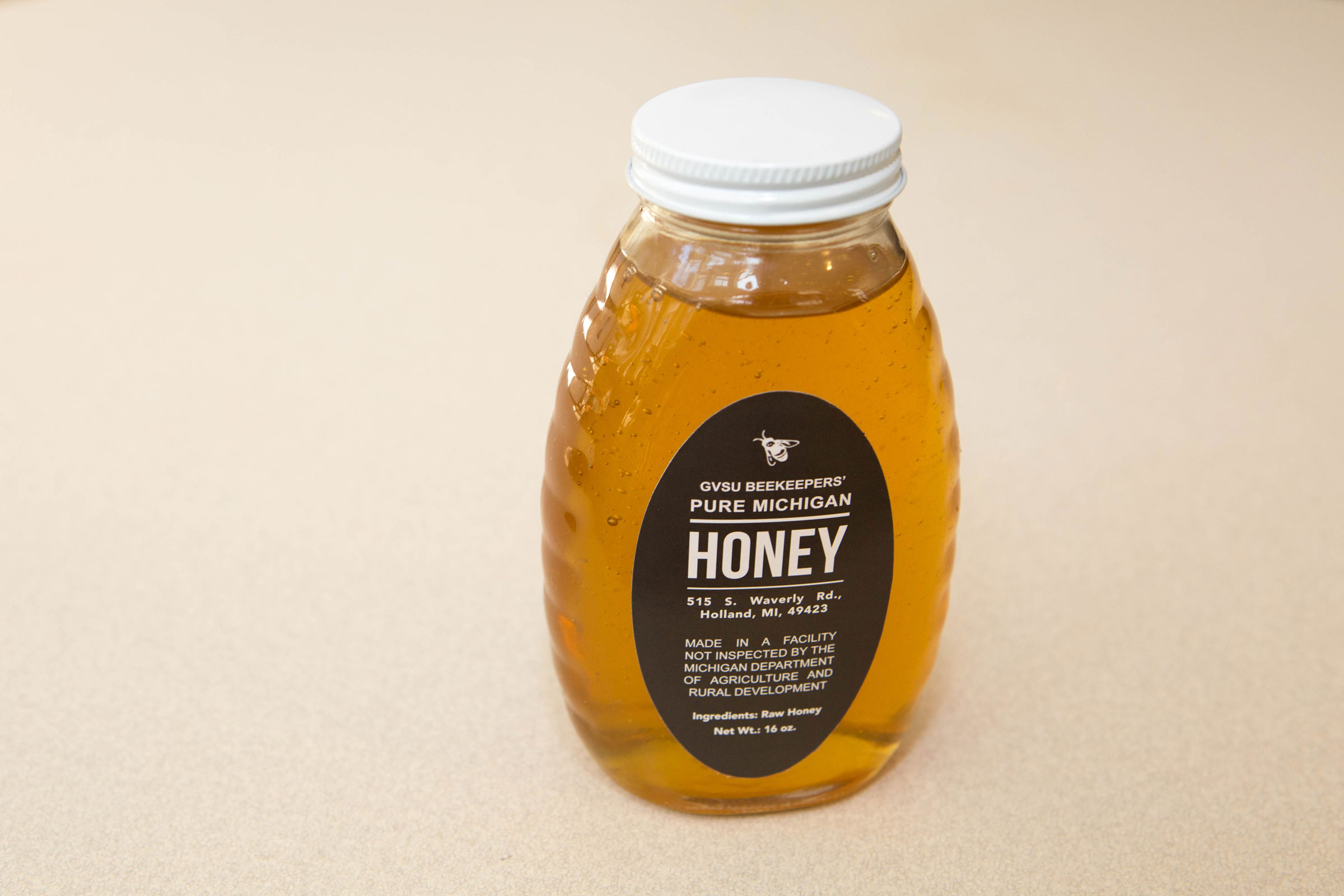 It's Time to Stock Up on West Michigan Honey - Grand Rapids