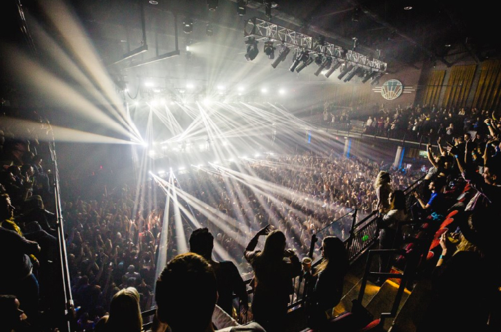 20 Monroe Live holds a crowd of 2,400, filling a void in Grand Rapids music scene.