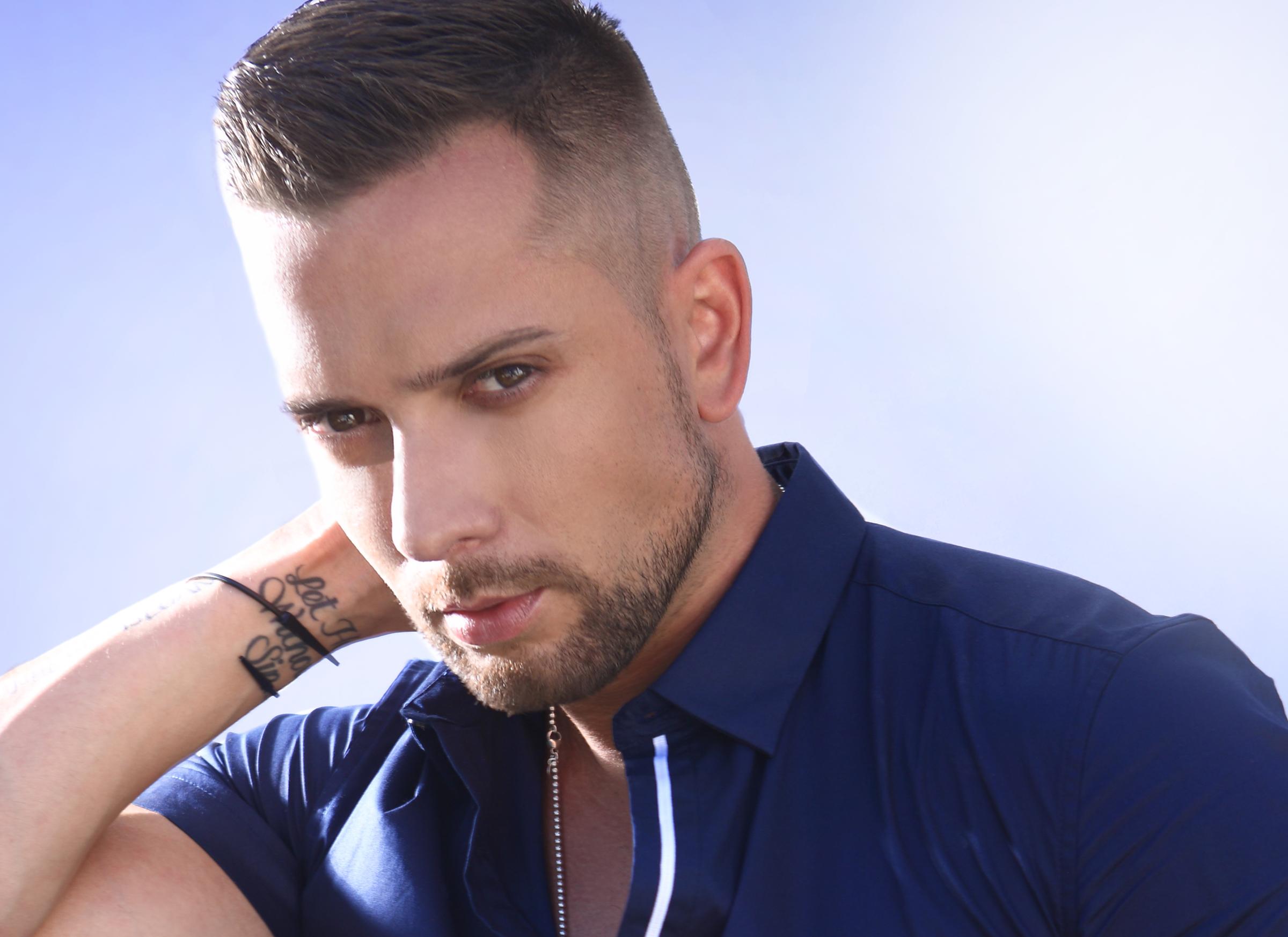 Singer Davide Hernandez to headline Grand Rapids Pride Festival.