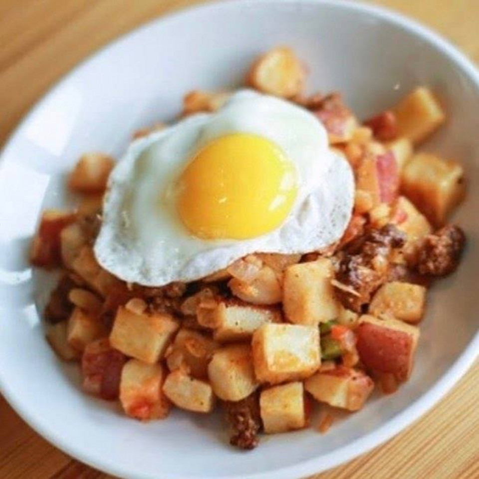 Grand Rapids Downtown Market hash browns and egg breakfast plate