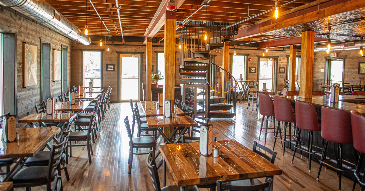 Alebird Taphouse and Brewery interior