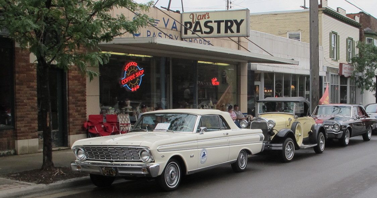 East Fulton Business District classic cars