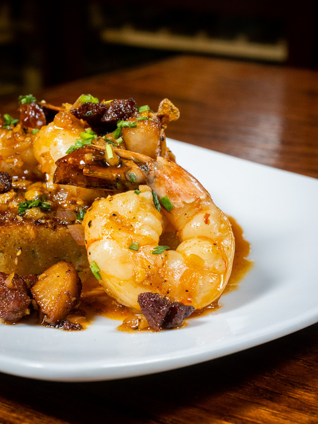 Divani shrimp and grits plate