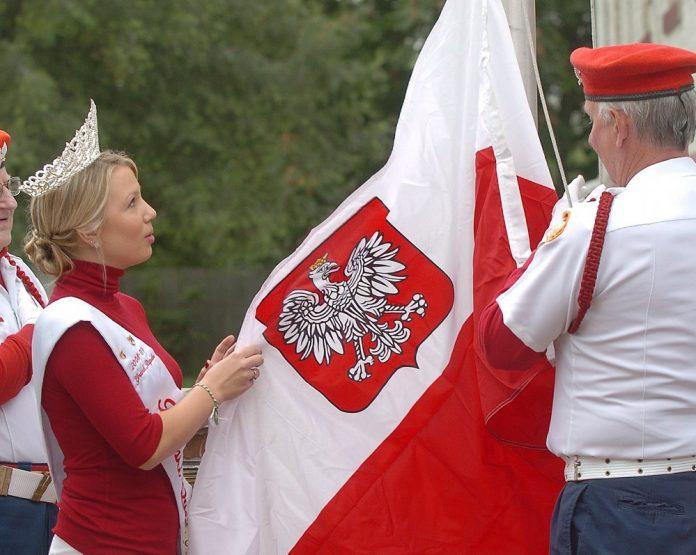 Pulaski Days Grand Rapids queen and flag